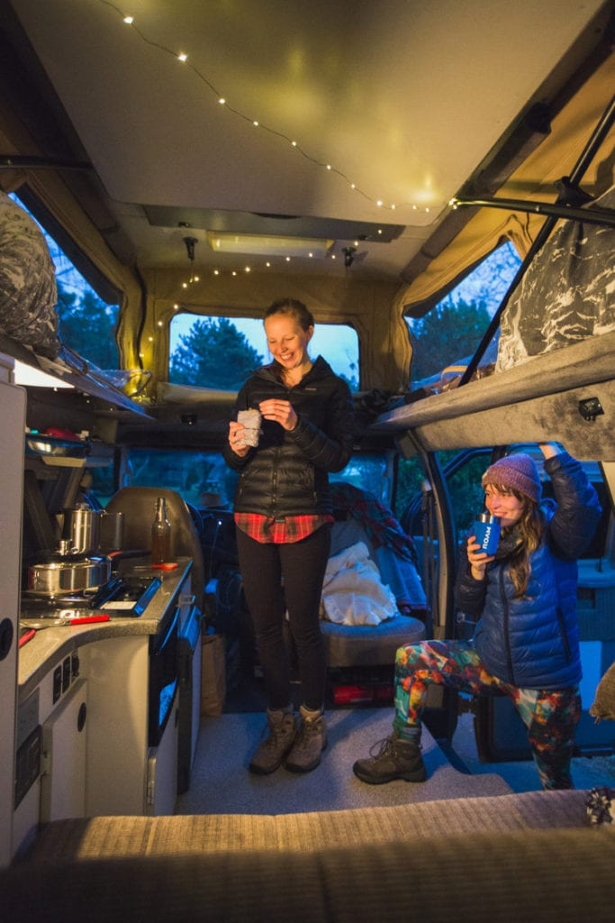 Roving Dears evening relaxation in their ROAMERICA campervan
