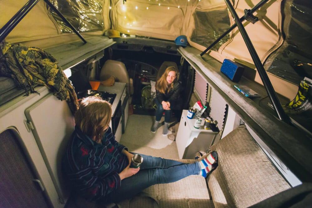 Morning in a ROAMERICA campervan