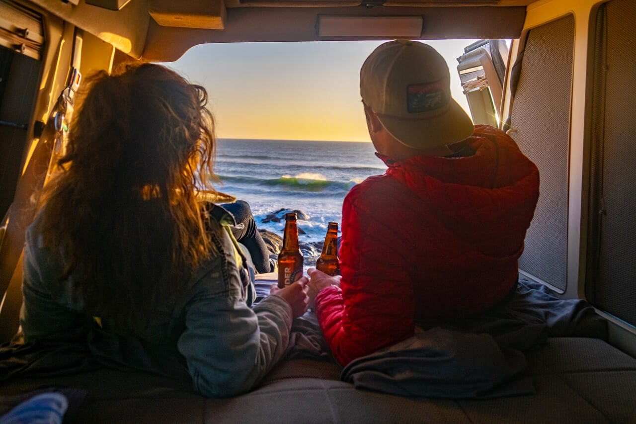 Couple - ROAMERICA campervan