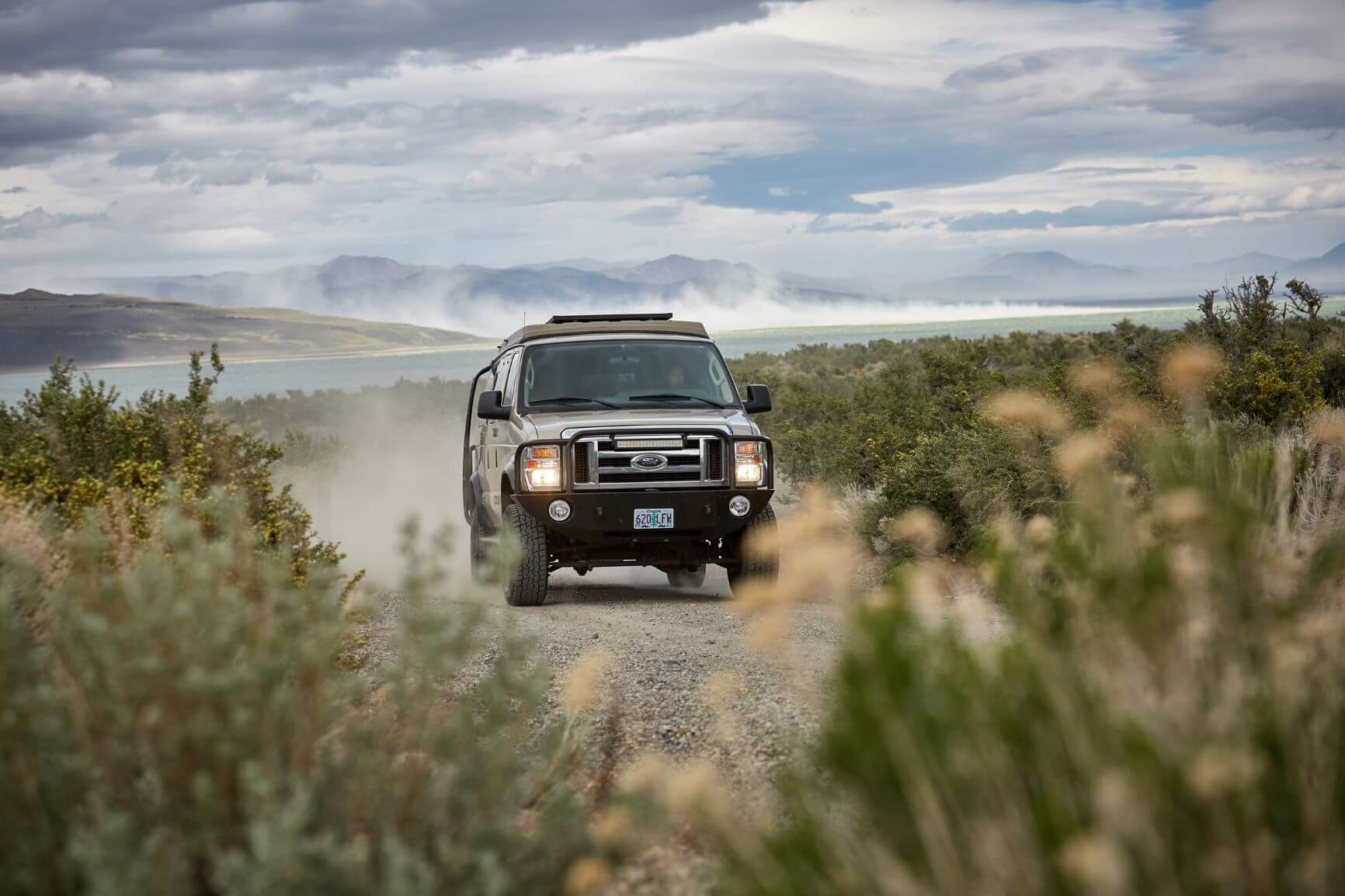 4x4 off-road adventure in a ROAMERICA campervan