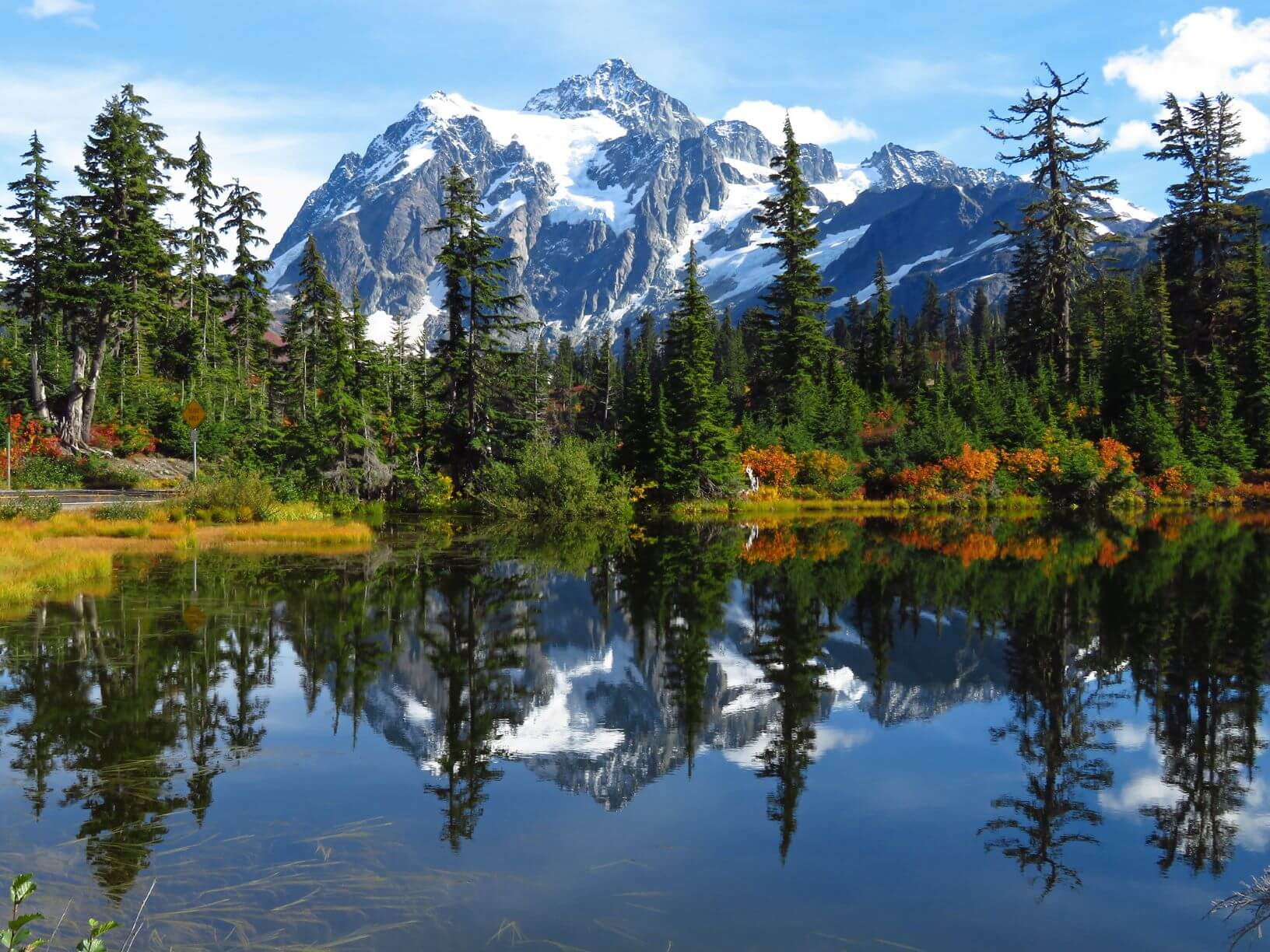 Mt Shuksan and Picture Lake in fall in North Cascades National Park